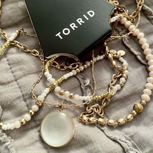 #0010 Torrid Layered Necklace